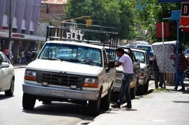 Renovarán licencias del transporte escolar y taxi flet