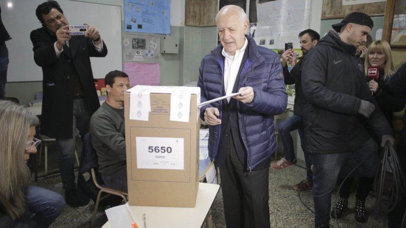 """Roberto Lavagna: """"La gente tiene que votar con el corazón"""""""