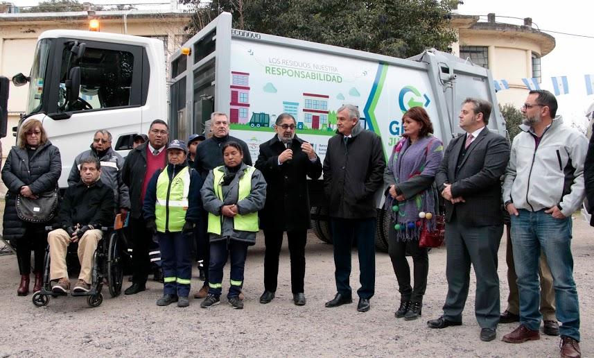 La Municipalidad de la Ciudad recibió tres camiones compactadores para eficientizar la recolección integral de residuos