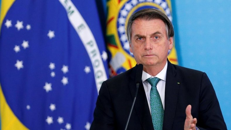 Bolsonaro sigue agitando a Alberto Fernández por las redes sociales