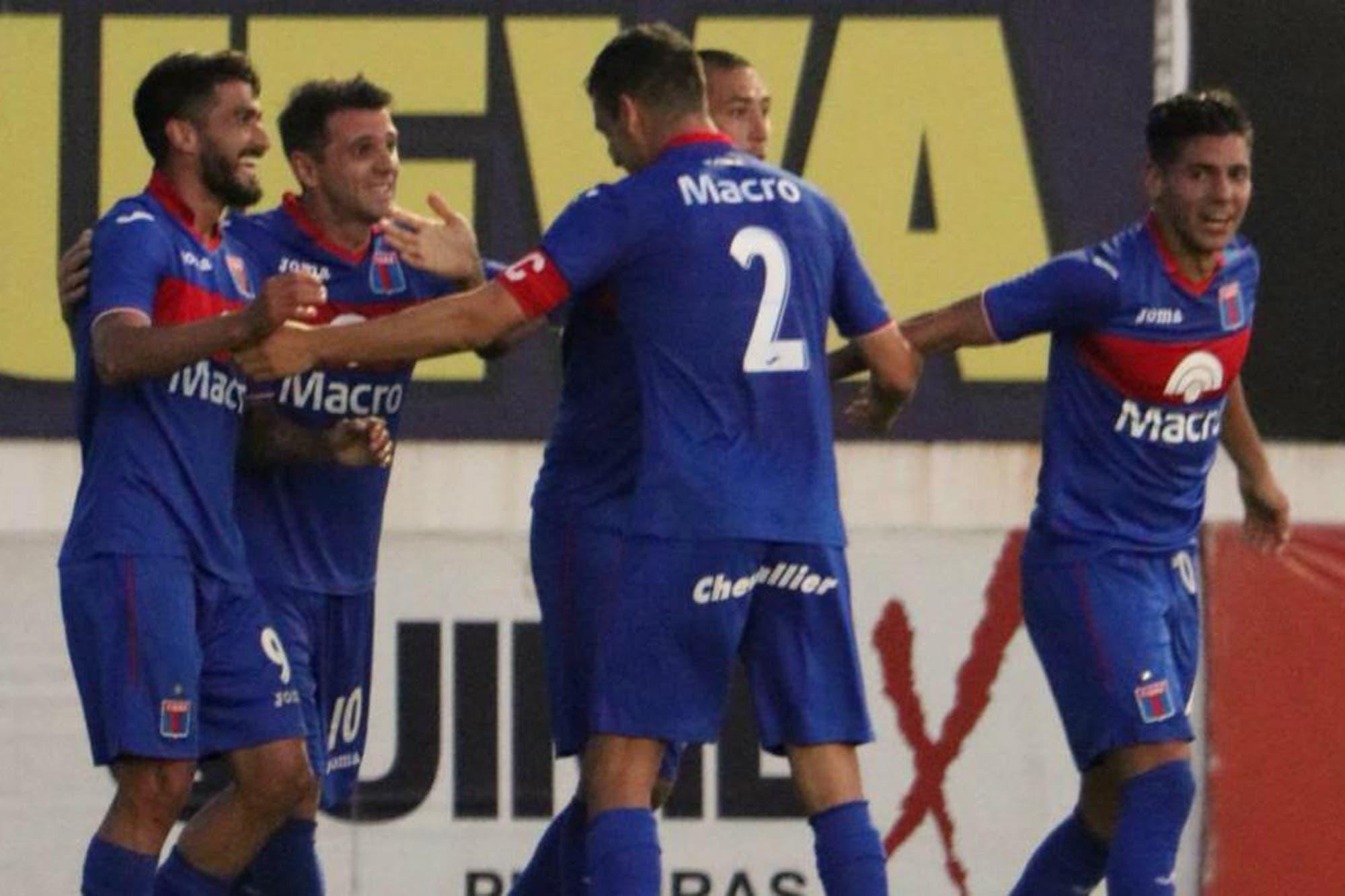 Tigre goleó a Chacarita y detuvieron a 98 hinchas del Funebrero