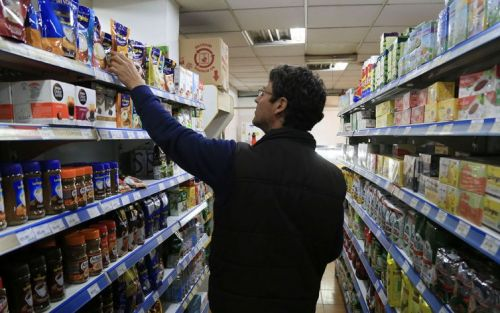 """De qué se trata la """"Ley de Góndolas"""", un proyecto contra el monopolio de los precios"""