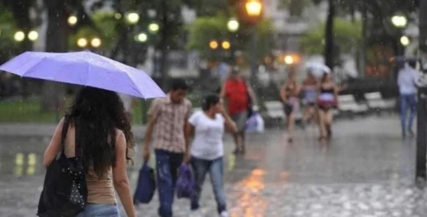 Emiten un alerta por tormentas fuertes para siete provincias del norte