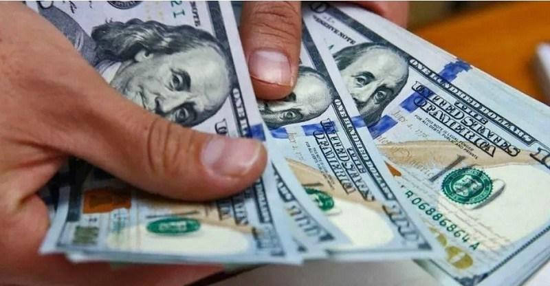Reglamentan el impuesto al dólar: ¿Quiénes están exentos de pagar el 30%?