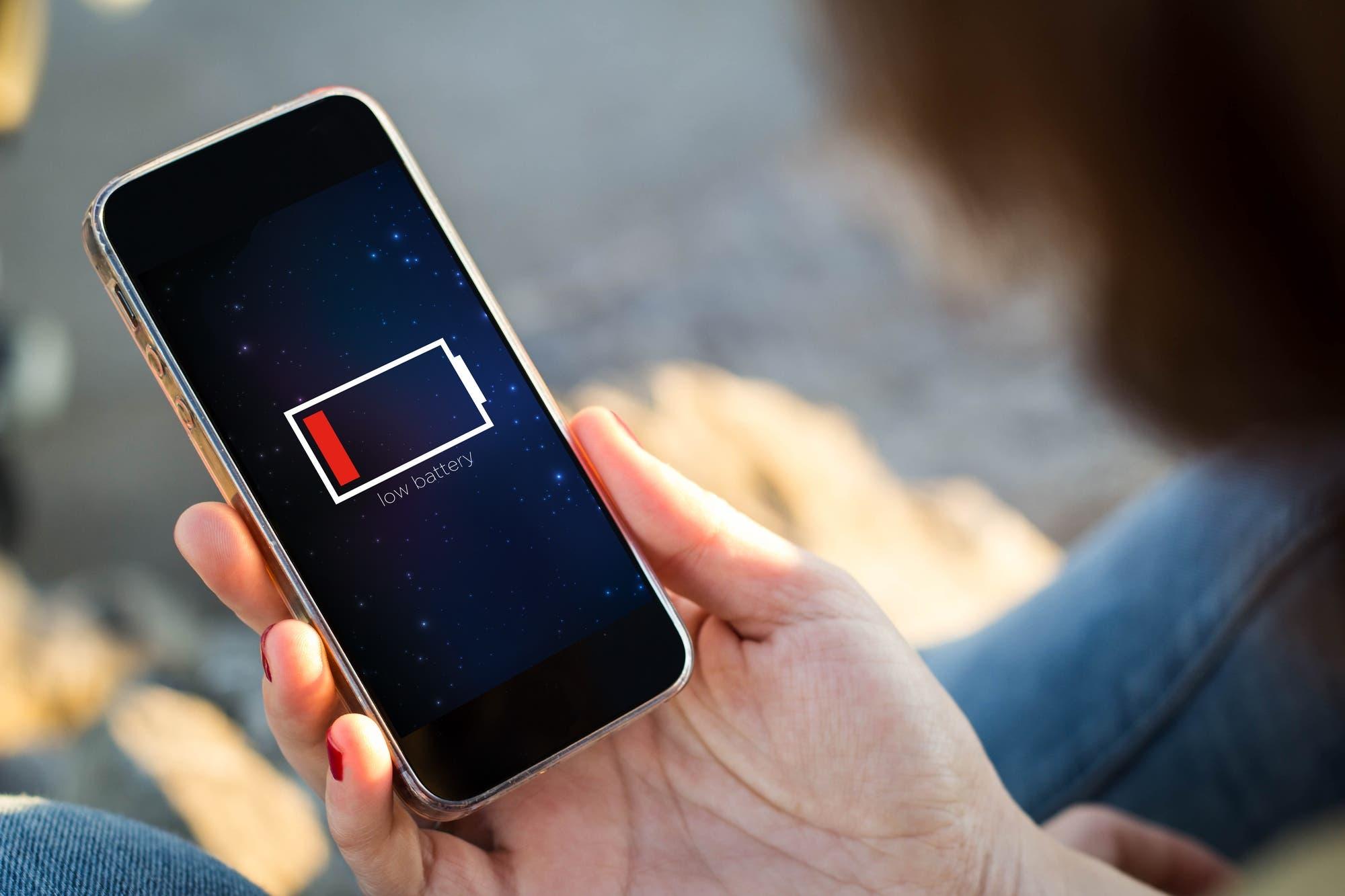 Huawei dice que en unos años vas a poder cargar tu celular con un láser
