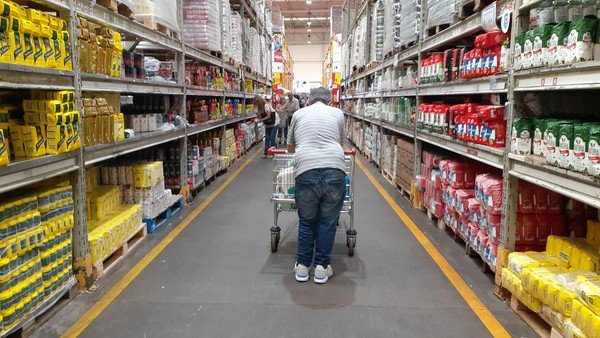 Precios Máximos: supermercados acusan a los fabricantes de aumentos y piden la intervención del Gobierno