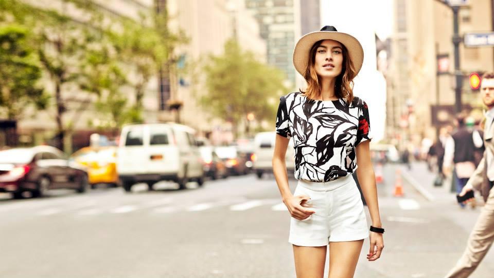 Los 5 ítems de moda indispensables de esta primavera según Alexa Chung