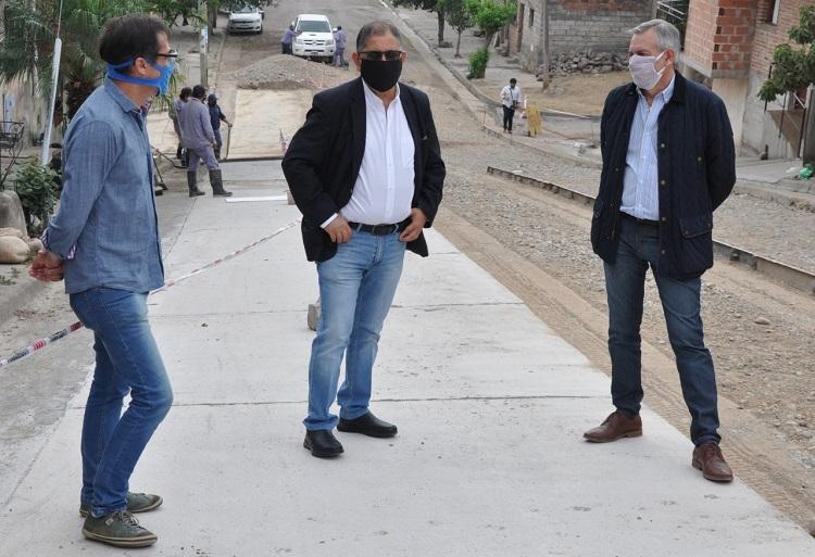 Ejecución de pavimento en calle San Lorenzo