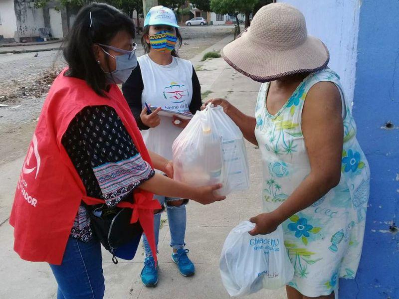Familias de Malvinas recibieron refuerzo alimentario y kits de limpieza