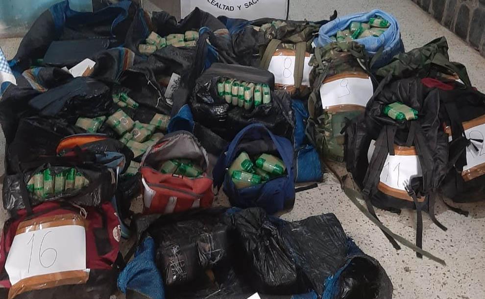 Secuestraron un cargamento de más de 200 kilos de hojas de coca