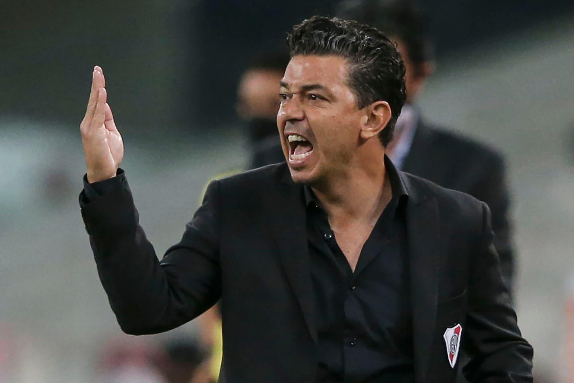 Ahtletico Paranaense-River: así fueron los goles y el duro choque en el que un jugador brasileño perdió un diente