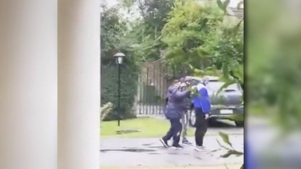 Una vecina del country grabó la última imagen de Diego Maradona con vida