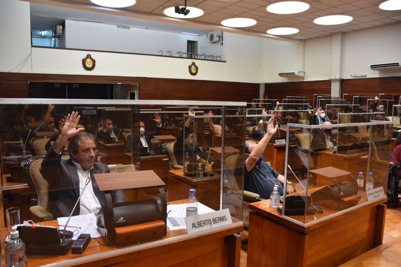 legislatura-de-jujuy-ratifico-el-decreto-para-transparentar-las-listas-de-vacunados-contra-el-covid-19