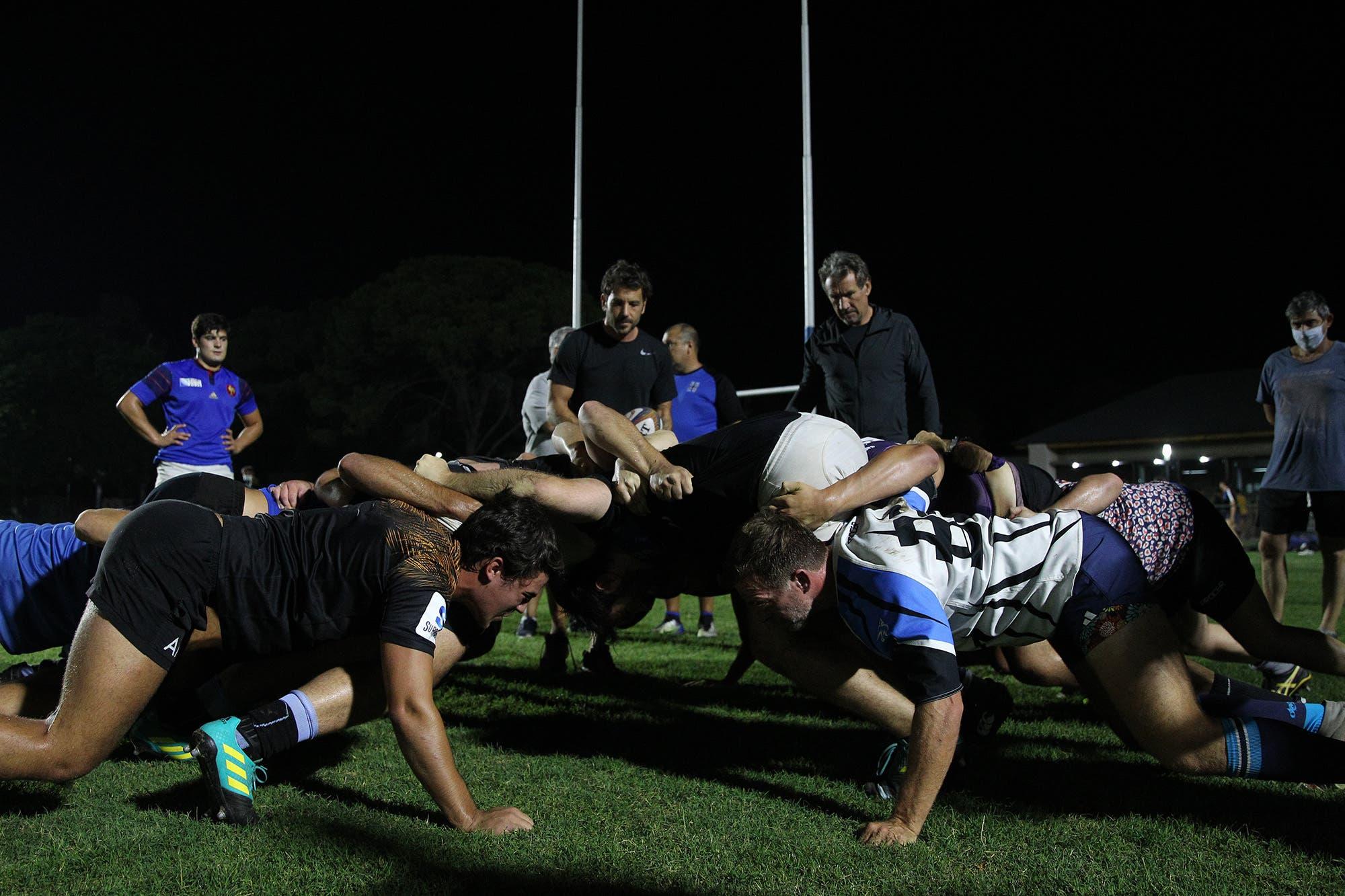 """polemica-en-el-rugby.-la-decision-de-la-uar-del-""""simulacro-de-scrum""""-agito-las-aguas:-argumentos-y-quejas-por-la-medida"""
