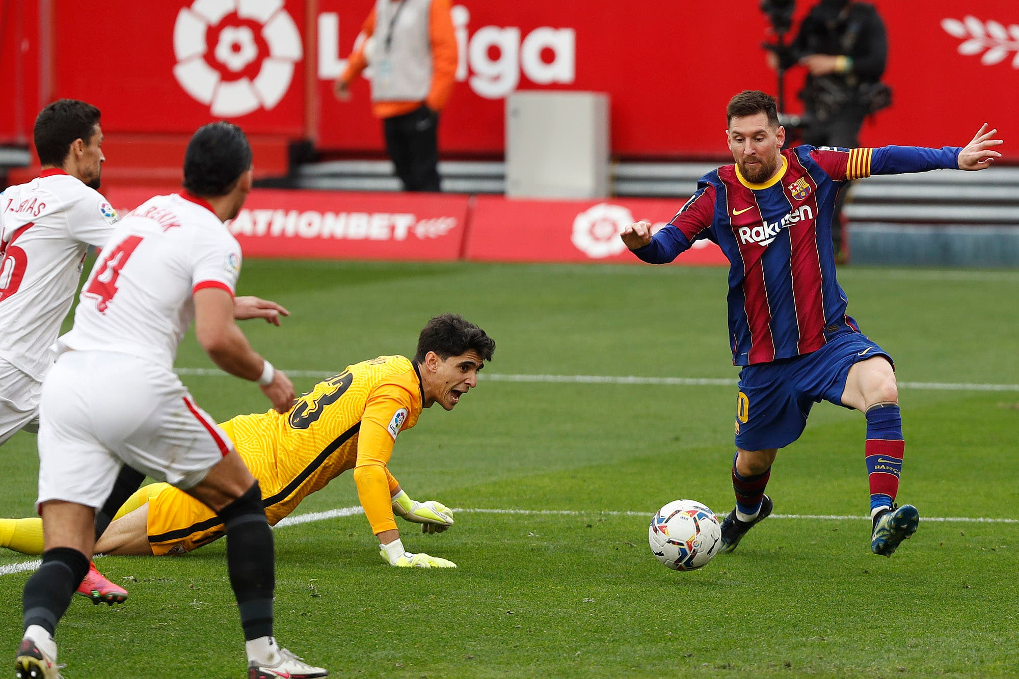 lionel-messi-sostiene-a-barcelona-en-la-liga-de-espana:-hace-mas-goles-que-la-suma-del-resto-de-los-delanteros