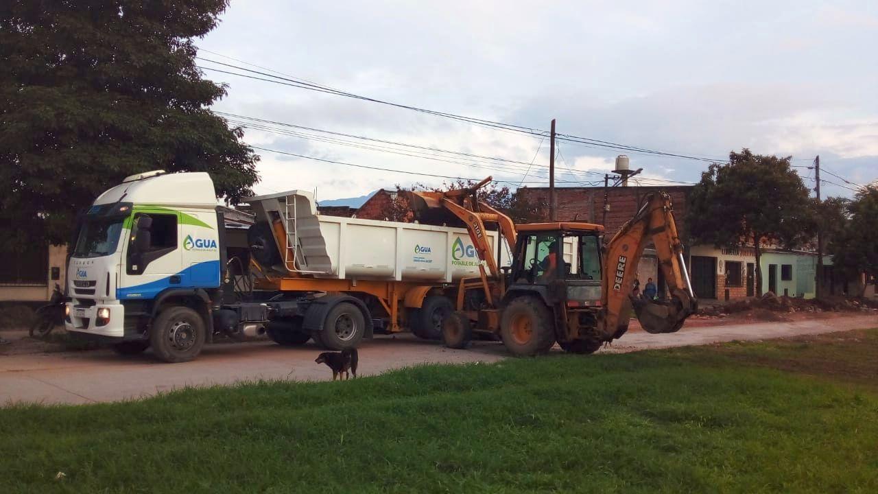 agua-potable-realizo-recambios-de-colectores-cloacales-en-un-barrio-de-libertador