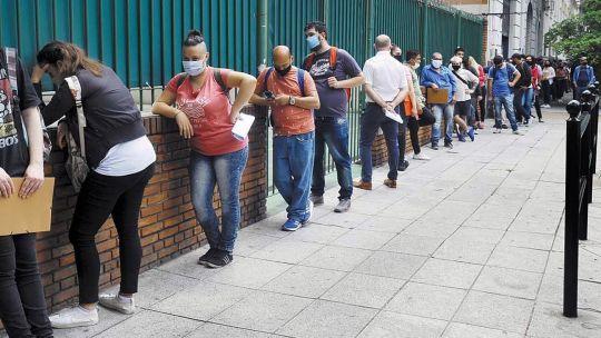 la-otra-pandemia:-el-desempleo-toco-los-niveles-mas-altos-desde-el-2004