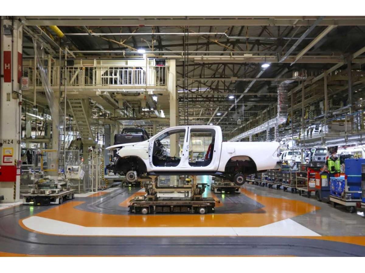 """industria-automotriz:-siempre-""""sobre-ruedas""""…-¿redondas?"""