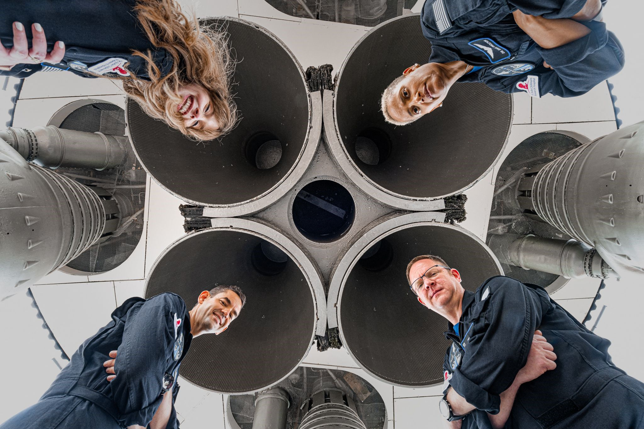el-nuevo-turismo:-spacex-viaja-por-primera-vez-al-espacio-con-una-tripulacion-de-civiles