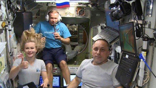 termino-la-mision-espacial-de-la-actriz-y-el-cineasta-rusos:-regresan-a-la-tierra